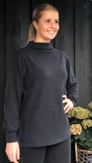 Tyin grå genser