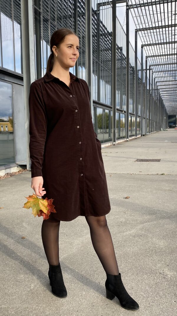 Kongsberg kjole mocca