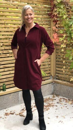 Kongsberg bordeaux kjolefrakk